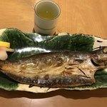 魚國 - かます干物焼き@800円。立派なかますです(╹◡╹)。 焼き加減もちょうどよく、とても美味しくいただきました(╹◡╹)