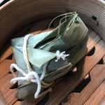 星期菜 - 蓮の葉包みのおこわ