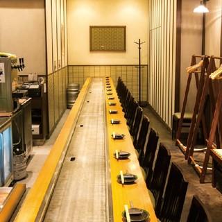 全席鉄板備え付けのカウンター席でライブ感満載です★
