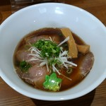 ジャパニーズスープヌードル 麺に恋いろ - 鰹出汁醤油ラーメン 860円也。