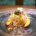 齋華 - フカヒレに生のクラゲを合わせた冷たい前菜、いきなり前菜に肉厚なフカヒレ!