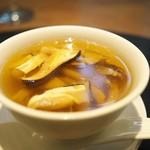 齋華 - 鶏と貝柱のチンタンスープに松茸たっぷり。