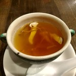 中華 本田 - 松茸と薬膳のスープ