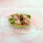 ウシマル - コースの一品目:鱧と枝豆
