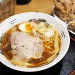 麺喰い メン太ジスタ - 中華そば(醤油)、名物からあげ(6個)