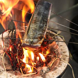 【名物】刺身の旨味を最高潮に引き出す藁焼き