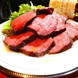 こだわりの肉料理をお召し上がりください!