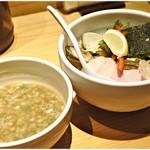 95188367 - 鶏と蛤の濃厚つけ麺(並) 980円 名前の通り鶏と蛤の旨味たっぷり♪