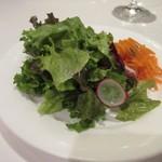 博多和田門 - 先ず最初にランチセットのサラダが運ばれて来ました。