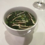 博多和田門 - この日のランチのスープは梅肉を使ったスープ、あっさりと飲みやすいスープです。
