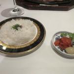 博多和田門 - ステーキを少し食べた頃にテーブルにご飯と香の物が運ばれて来ました。