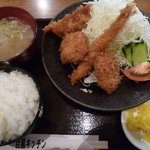 9519803 - 9/2011 Mixフライ定食