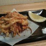 一品料理 花織 - さきいかの天ぷら そのままでも美味しいさきいかを何と天ぷらにて出してました。天ぷらにすることにより食感が変わり、お酒が進んでしまいます。