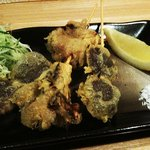 一品料理 花織 - キノコの天ぷら 季節限定の一品料理です。お好みにより、塩 レモンで食べれます。個人的には、塩!!!