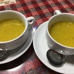 インド ダイニング カフェ マター - 最初に提供されたスープ。 サービスなのかな?
