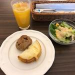 ボンドール - パン・サラダ・ドリンクバーのオレンジジュース