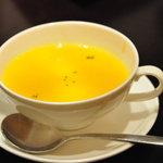 トラットリア ヴェントーノ - 人参のクリームスープ
