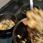 米沢亭 炭火苑 - [料理] 石焼きカルビビビンバ を取り分ける ①