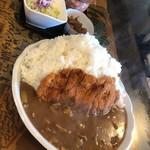 定食の店 牛太郎 - カツカレー大盛り