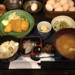 淡路島と喰らえ - 淡路定食(猪豚カツと鱧フライ)