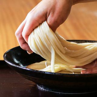 2回目は「モーツァルト」で艶っぽく。モッチモチ麺の秘密