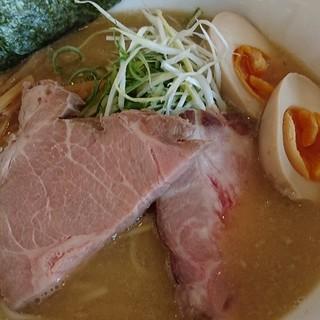 竹麺亭 - 料理写真:鶏白湯ラーメン+味タマ♪