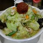 95207687 - 赤玉たんめん(太麺)900円(税込)