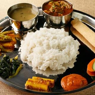 本格的なネパール民族料理◇ネワリ民族・タカリ民族料理をぜひ!
