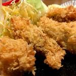 95218390 - 大粒の 広島産 牡蠣
