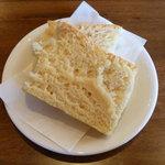 トラットリア ボッカ ボーナ - サービスの自家製パン