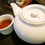 ホンコンサイド - ポットサービスのお茶