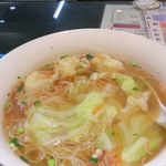 95233108 - 雲呑麺(842円)ゴワゴワの香港麺とプリプリの雲呑。