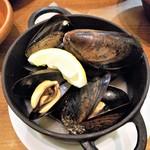 VINSENT - ムール貝の白ワイン蒸し。