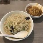 北のちゃんぽん家 - 料理写真:味噌ちゃんぽん大盛り野菜増し+カレーライス