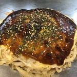 広島スタイル お好み焼 くじら - 料理写真:肉玉イカ天うどんです