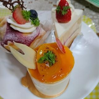 JAMIN - 料理写真:ケーキ3点