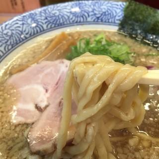 セアブラノ神 伏見剛力 - 料理写真:背脂煮干そば  750円