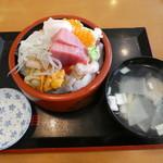 蛇の目 - 料理写真:上ちらし2380円(税込)