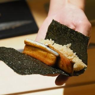 《個性光る江戸前寿司》大将独自のお寿司をおいしく握りました。