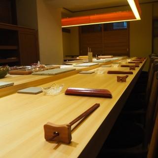 《温もりの空間》お客様の心地よい空間でとびっきりのお寿司を。