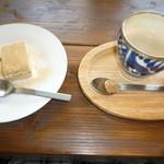 mou - デザートのきな粉の入ったティラミスとコーヒー