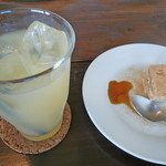 mou - ティラミスとグレープフルーツジュース