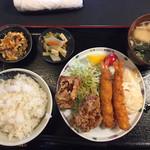 95261587 - 海老、唐揚げ定食950円