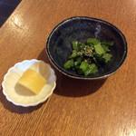 京のそば処 花巻屋 - おひたし⁉️と漬物