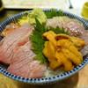 すし・魚処 のへそ  - 料理写真:ぜいたく五色丼