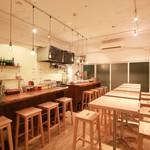 ROUGH LABO CAFE - オフィスビルの中にある隠れ家カフェ