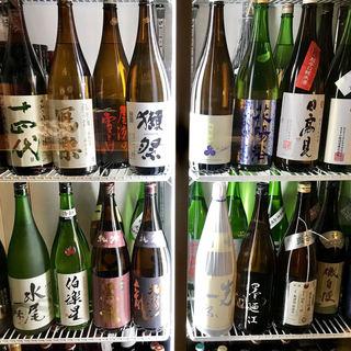 銘酒や希少酒など、こだわり抜いた日本酒