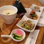OMU - 料理写真:お惣菜セット ドリンク付き 830円♡
