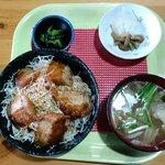 丸八亭 - ソースカツ丼
