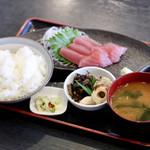 つるや - 料理写真:マグロ刺身定食